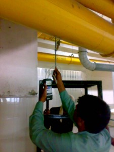 MEASURING AIR VOLUMES AND DUCT PRESSURES